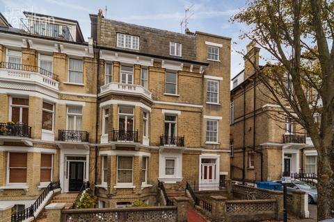 3 bedroom apartment to rent - First Avenue, Hove, BN3