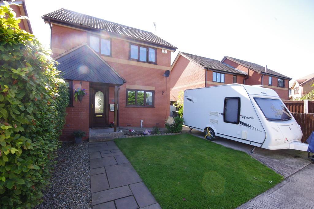 3 Bedrooms Detached House for sale in Ffordd Parc Bodnant, Prestatyn