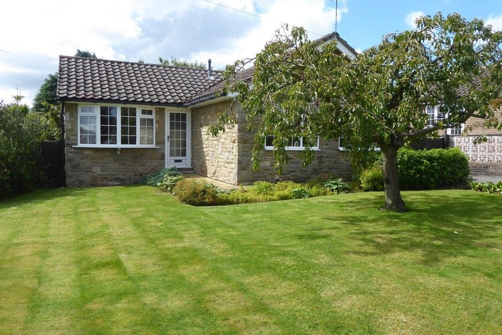3 Bedrooms Detached Bungalow for sale in 11 West Pasture, Kirkbymoorside YO62 6BR