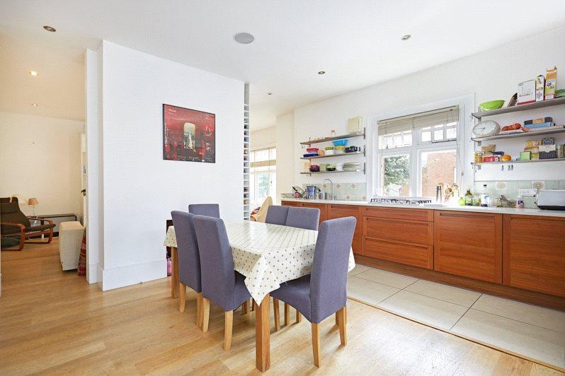4 Bedrooms Maisonette Flat for sale in Lurline Gardens, Battersea, London, SW11