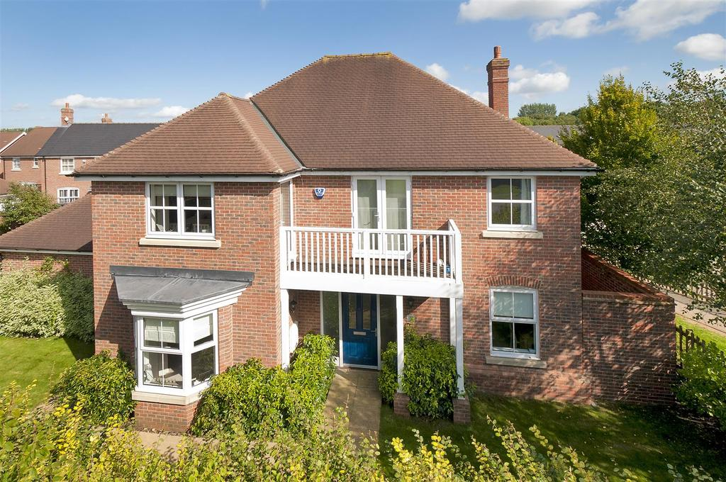 5 Bedrooms Detached House for sale in Atlas Close, Kings Hill, ME19 PS