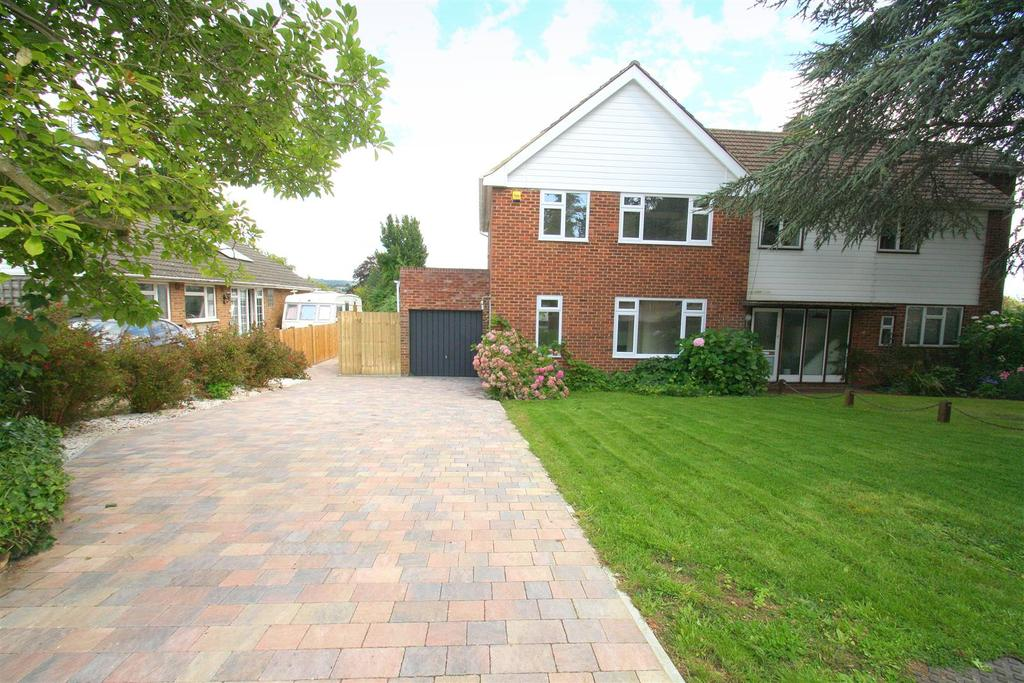 3 Bedrooms Semi Detached House for sale in Cobham Close, Maidstone