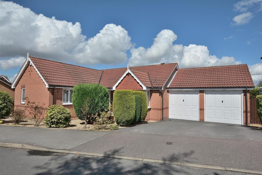 3 Bedrooms Detached Bungalow for sale in Bransdale Avenue, Forest Town