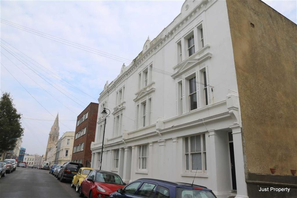 3 Bedrooms Maisonette Flat for sale in Silchester Road, St Leonards On Sea