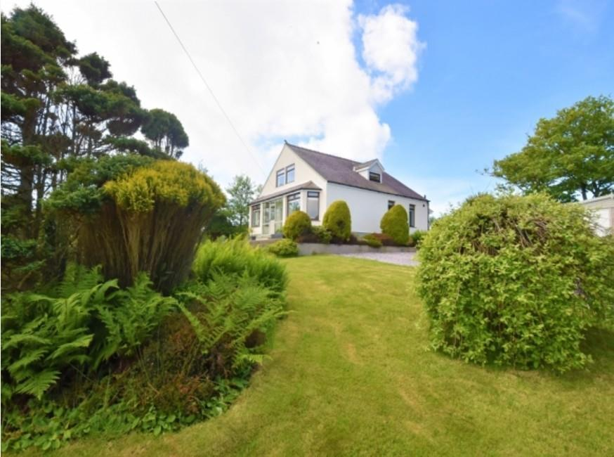 4 Bedrooms Detached House for sale in Rhoshirwaun, Pwllheli