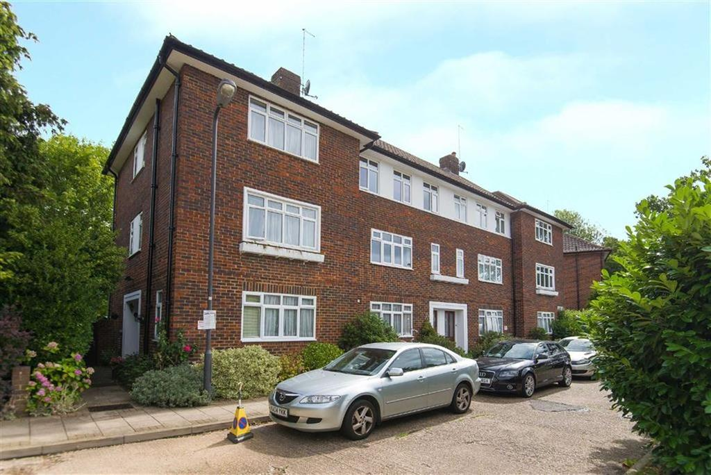 2 Bedrooms Maisonette Flat for sale in Montesole Court, Pinner, Middlesex