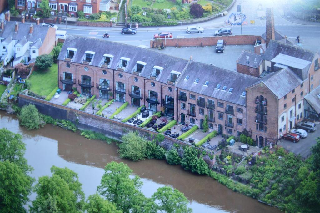 4 Bedrooms Apartment Flat for sale in A8 The Brewery, Longden Coleham, Shrewsbury, SY3 7JD