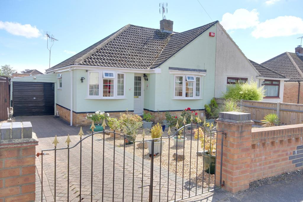2 Bedrooms Chalet House for sale in WATERLOOVILLE