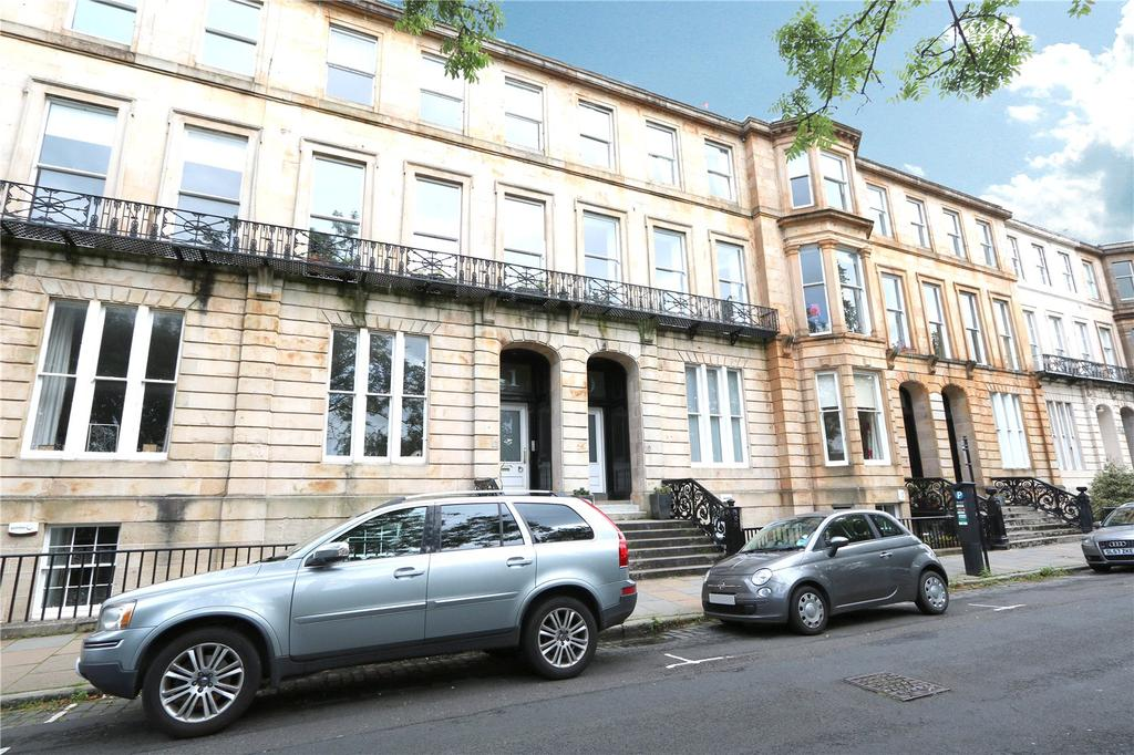 3 Bedrooms Apartment Flat for sale in Ground Garden, Woodlands Terrace, Park, Glasgow