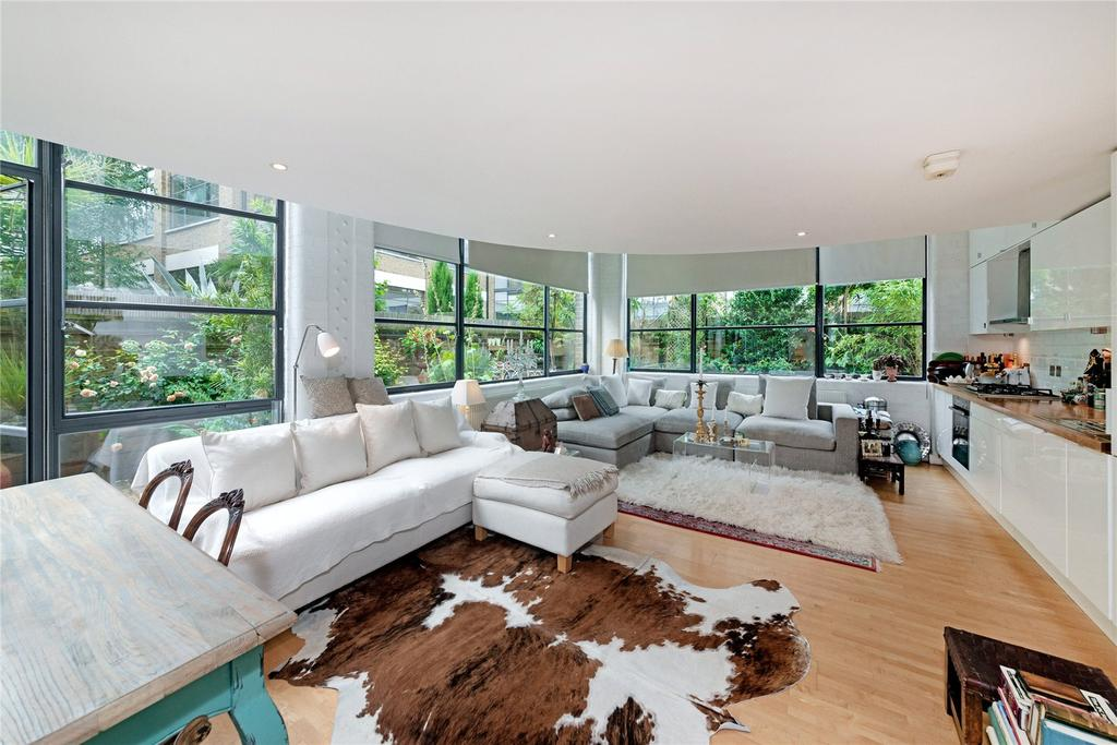 2 Bedrooms Flat for sale in Chiswick Green Studios, 1 Evershed Walk, Chiswick, London