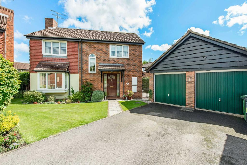 3 Bedrooms Detached House for sale in Alyngton, Northchurch