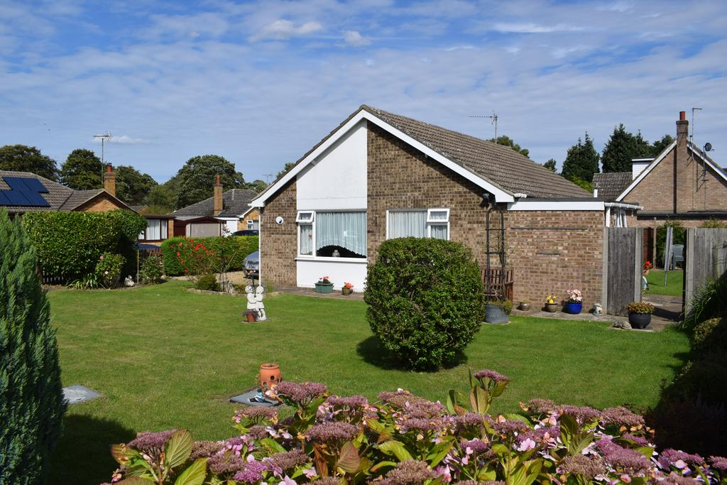 3 Bedrooms Detached Bungalow for sale in Wrights Lane, Sutton Bridge, Spalding, Lincolnshire PE12