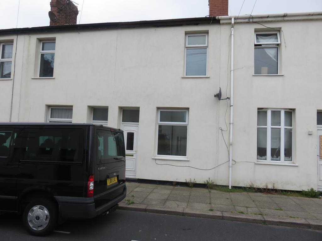2 Bedrooms Terraced House for sale in HARRISON STREET, BLACKPOOL FY1