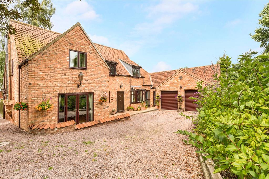 5 Bedrooms Barn Conversion Character Property for sale in High Street, Sturton by Stow, Lincoln