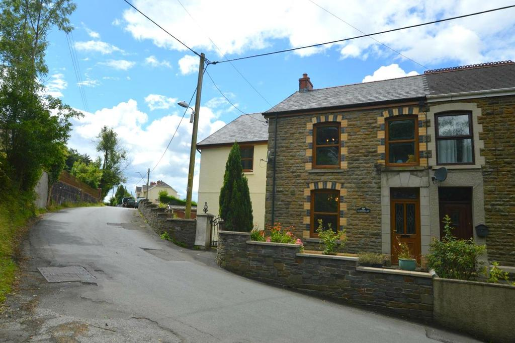 4 Bedrooms Semi Detached House for sale in Garnswllt, Ammanford