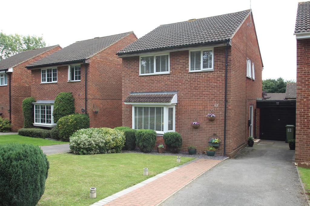 4 Bedrooms Link Detached House for sale in Bishopstone, Bradville, Milton Keynes