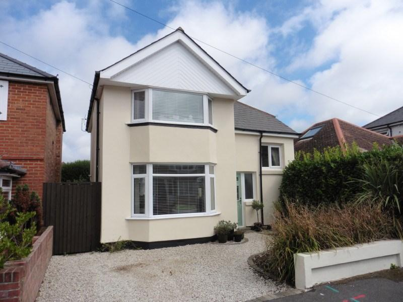 3 Bedrooms Detached House for sale in King George Avenue, Moordown, Bournemouth