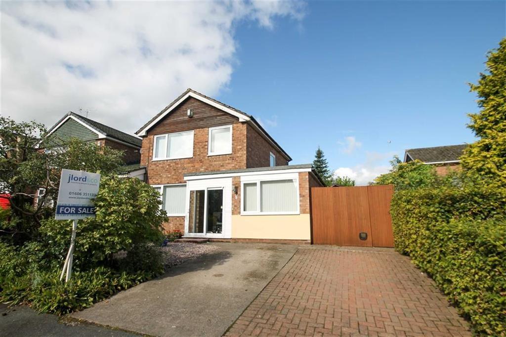 3 Bedrooms Detached House for sale in Sandown Crescent, Cuddington