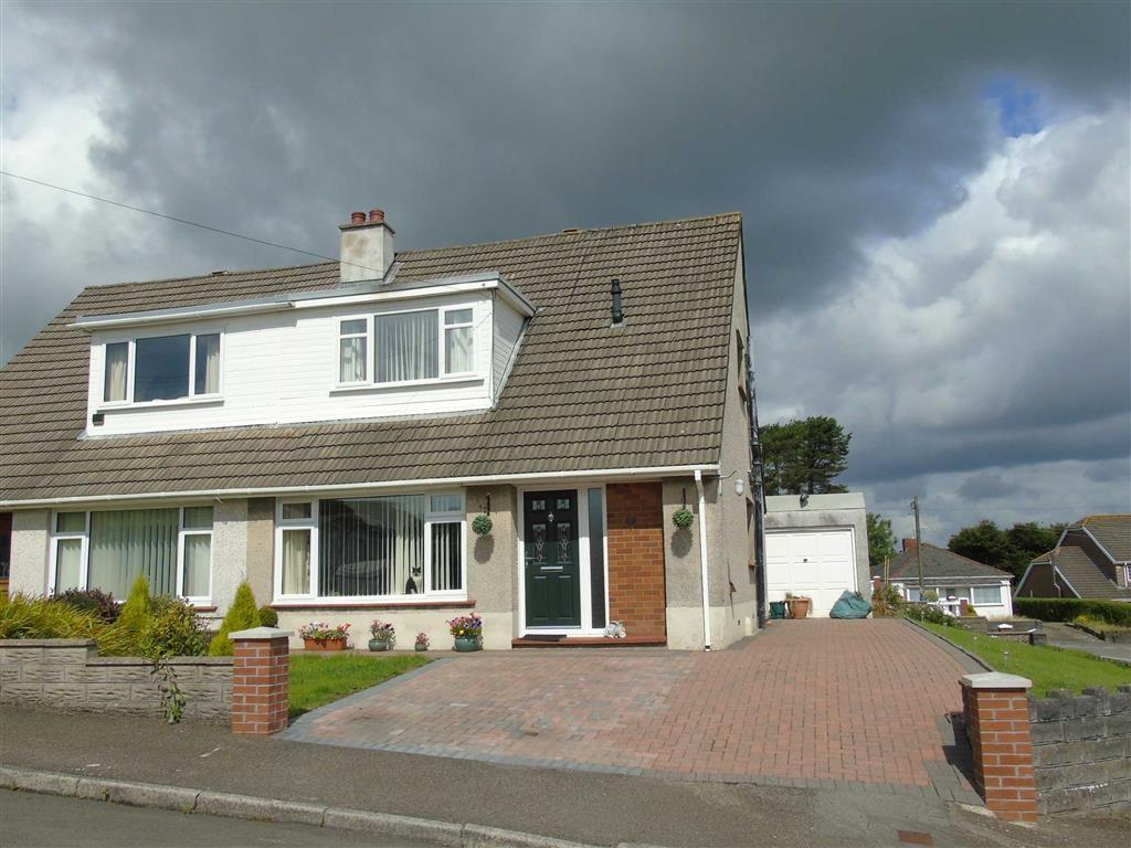 3 Bedrooms Semi Detached Bungalow for sale in Cleviston Park, Llangennech, Llanelli