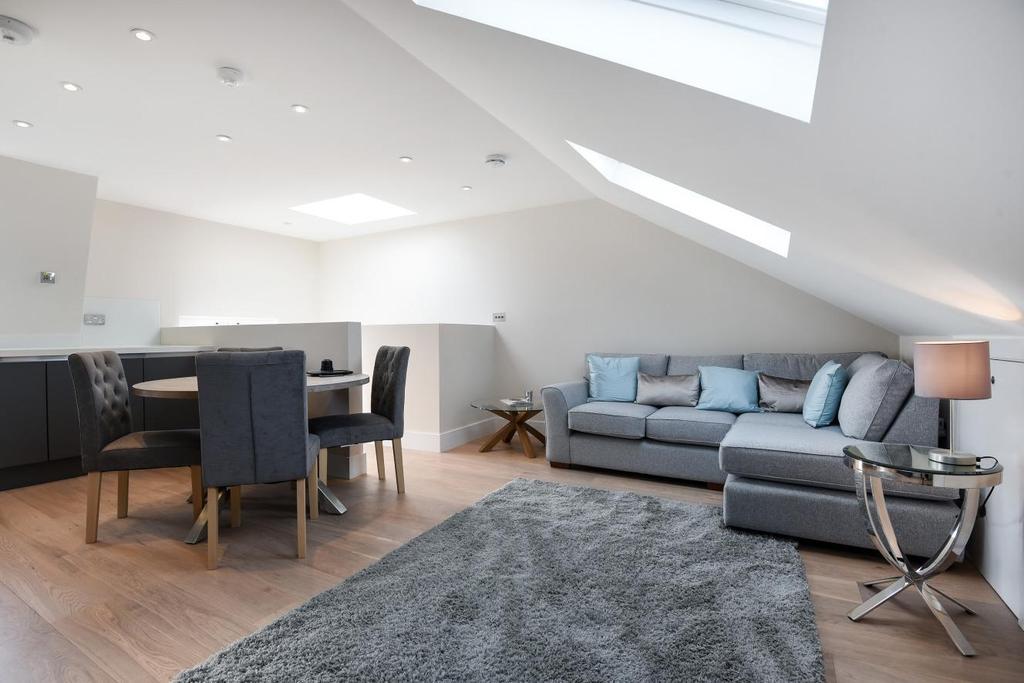 2 Bedrooms Flat for sale in Dawes Road, Fulham