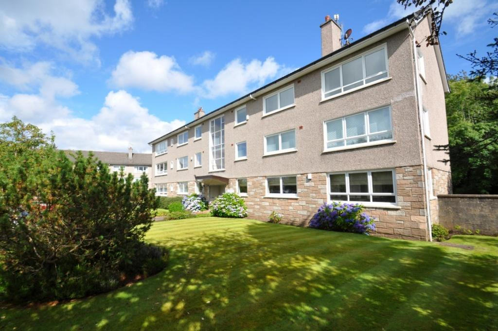 3 Bedrooms Flat for sale in Flat 1/L, 38 Fruin Court, Newton Mearns, G77 6HT