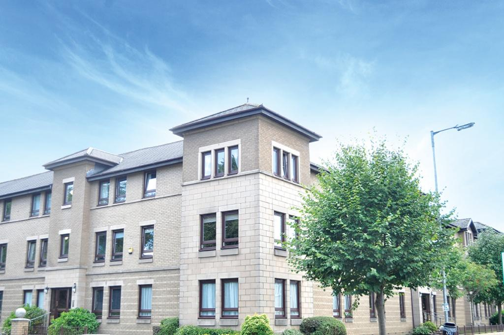 3 Bedrooms Flat for sale in Flat 24, 69 Maxwell Drive, Pollokshields, G41 5JF