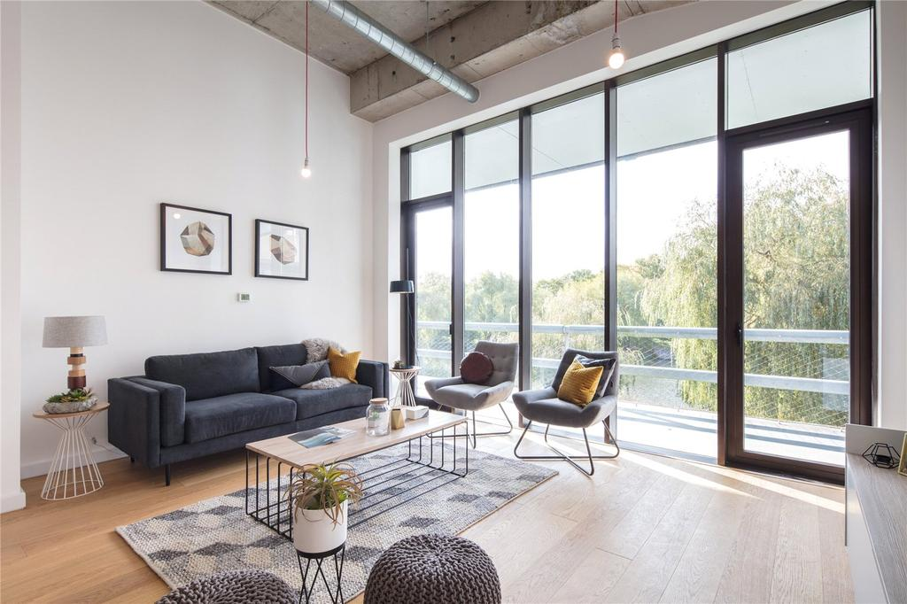 1 Bedroom Flat for sale in Apartment 285, East Wing Lakeshore, Crox Bottom, Bristol, BS13