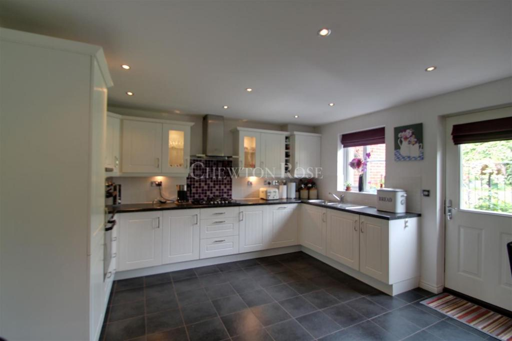 6 Bedrooms Detached House for sale in Pontprennau, Cardiff