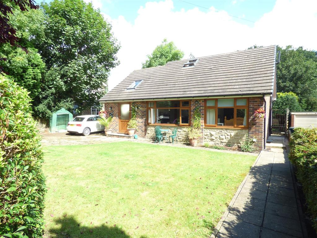3 Bedrooms Detached Bungalow for sale in Liversedge Hall Lane, Liversedge