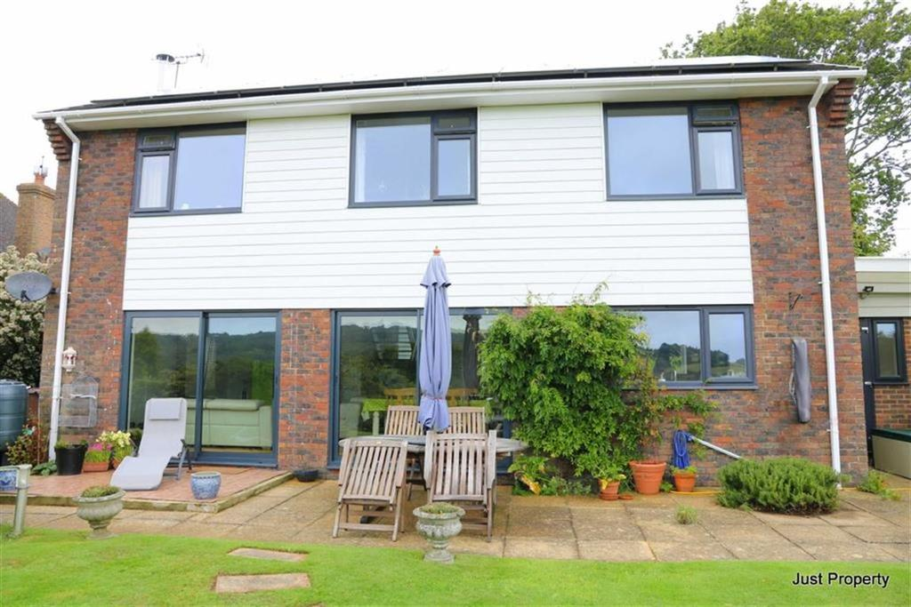 3 Bedrooms Detached House for sale in Pett Road, Guestling