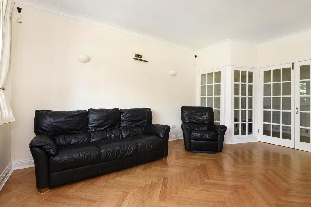 2 Bedrooms Flat for sale in Augustus Road, Southfields