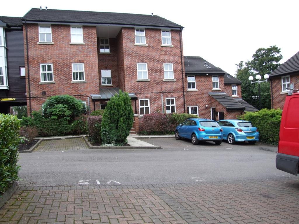 2 Bedrooms Flat for sale in Manor Road, Woodley, SK6