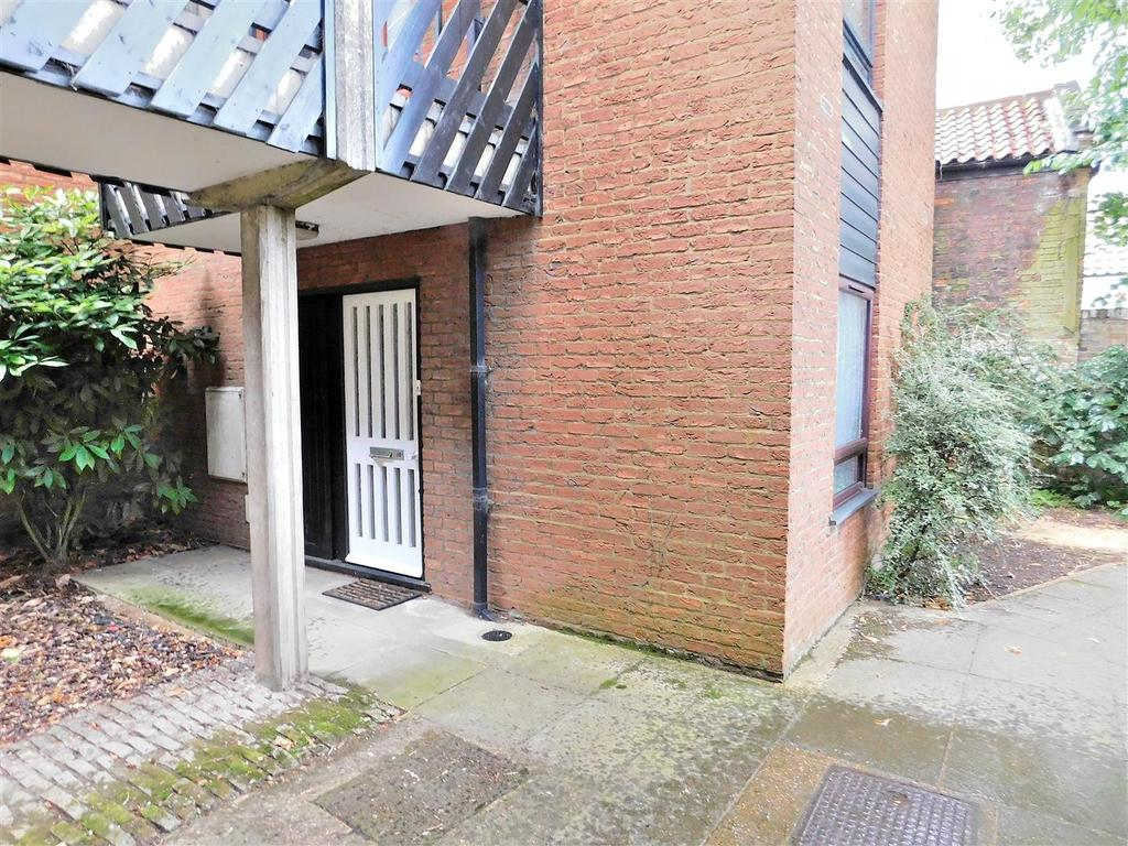 1 Bedroom Flat for sale in St. Nicholas Close, King's Lynn
