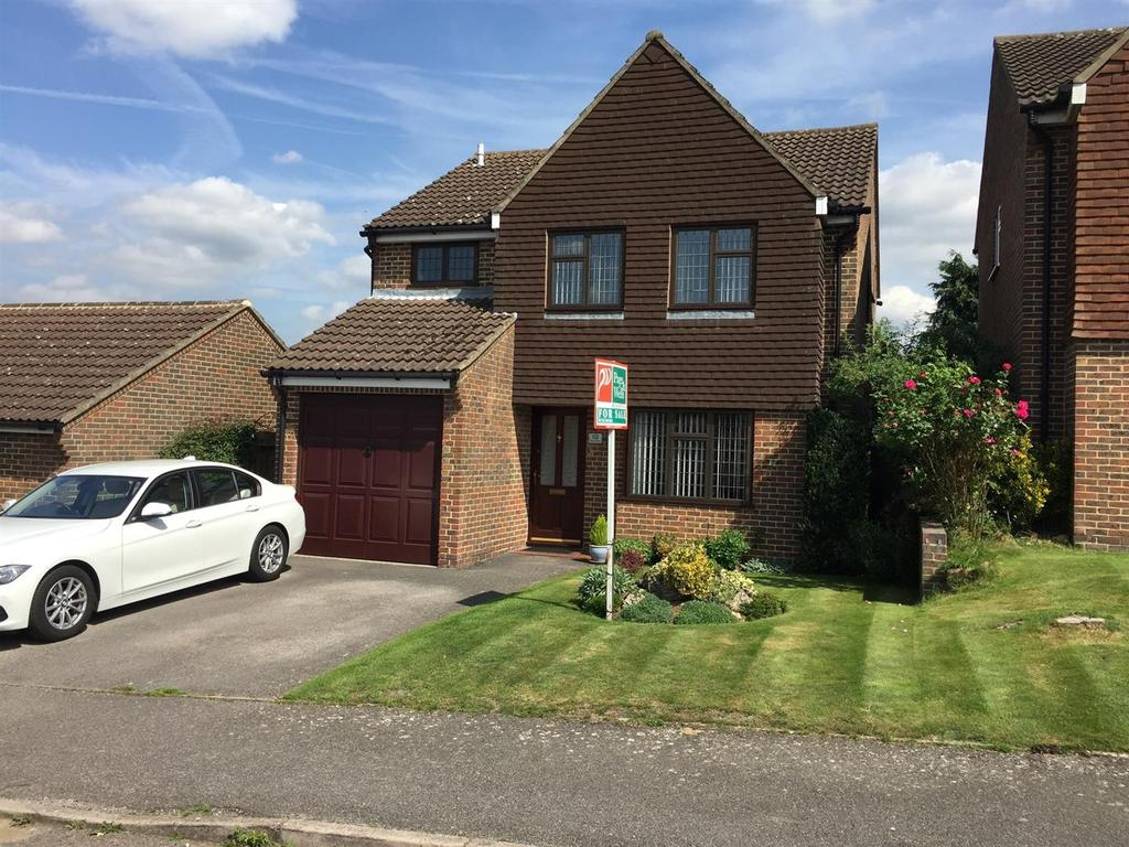 4 Bedrooms Detached House for sale in Wheatfield, Leybourne, West Malling
