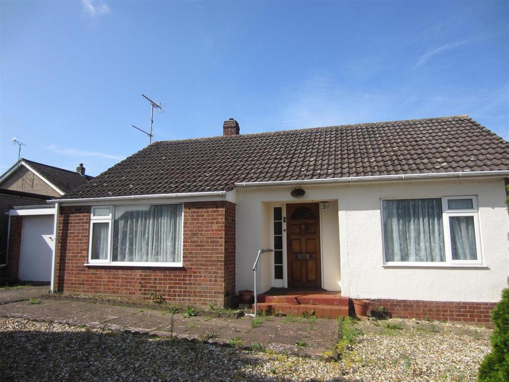 3 Bedrooms Detached Bungalow for sale in St. Dominics Drive, Brandon