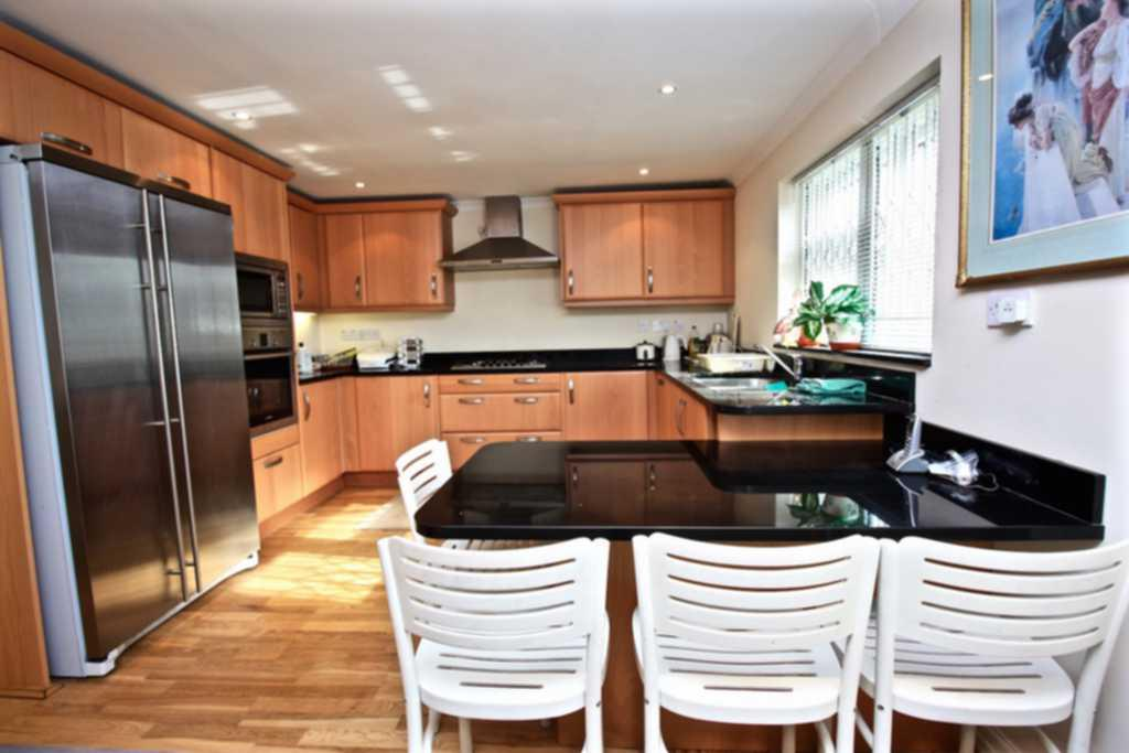 6 Bedrooms House for sale in Berkeley Road, Kingsbury, NW9