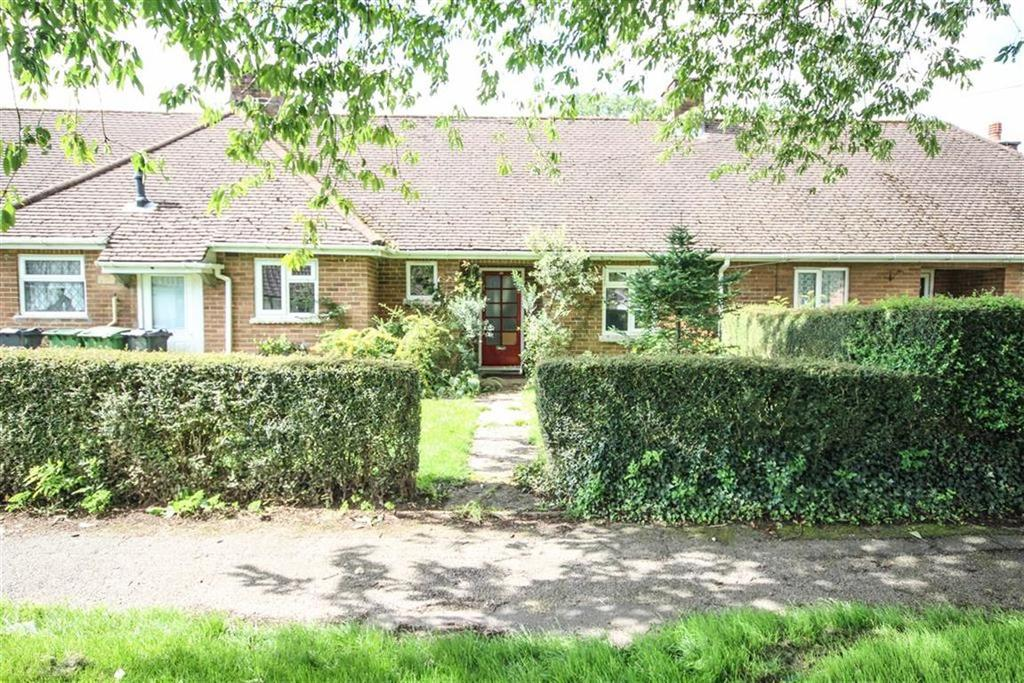 2 Bedrooms Detached Bungalow for sale in Erw Las, Cardiff