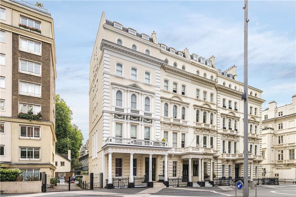 2 Bedrooms Flat for sale in Montrose House, 44 Princes Gate, Knightsbridge, London, SW7