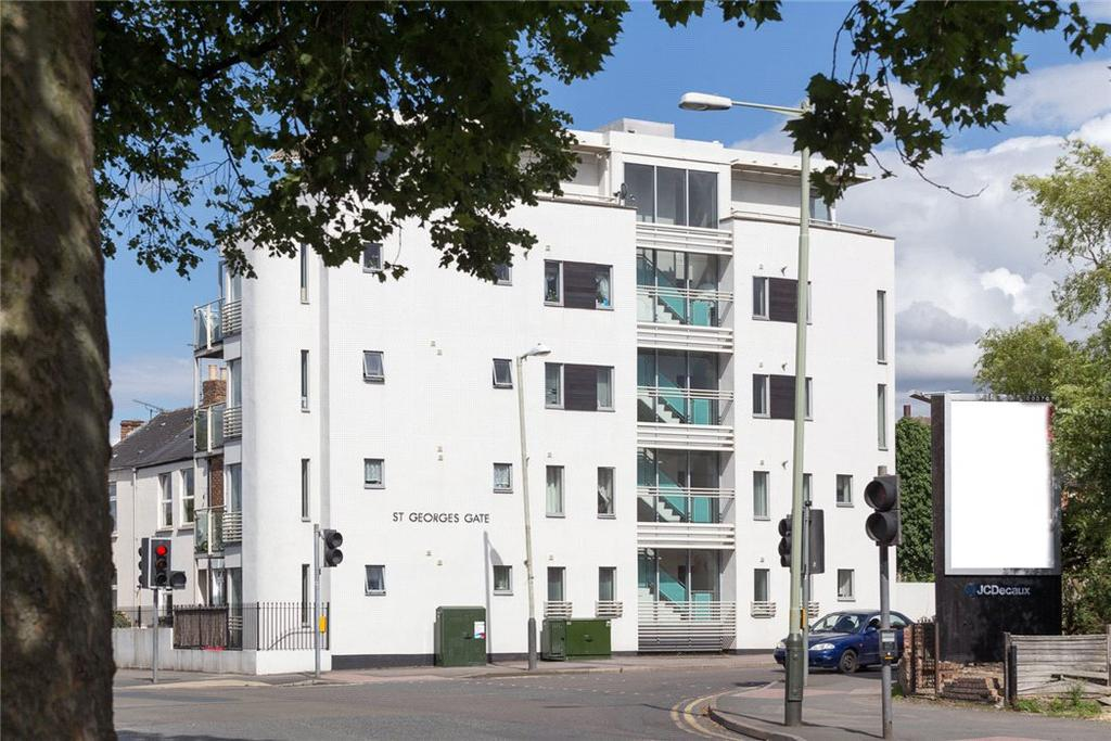 3 Bedrooms Penthouse Flat for sale in St. Georges Gate, St. Georges Road, Cheltenham, Gloucestershire, GL50
