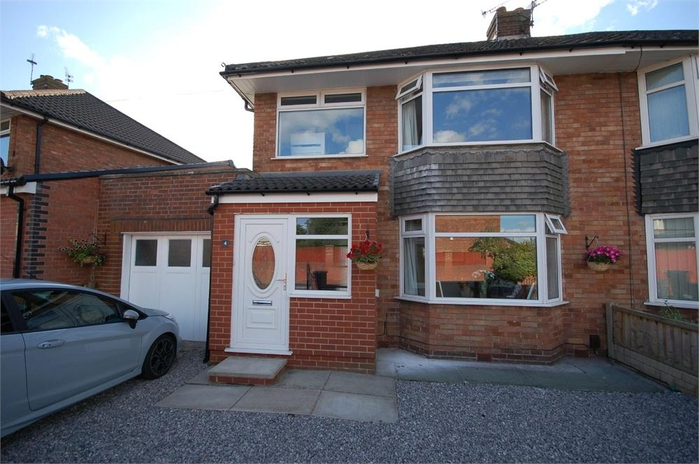 3 Bedrooms Semi Detached House for sale in Stour Avenue, Rainhill, Prescot, Merseyside