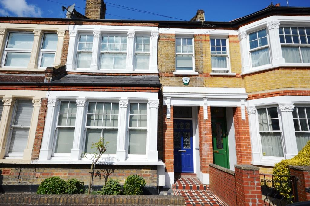 3 Bedrooms Terraced House for sale in Wyleu Street Honor Oak SE23
