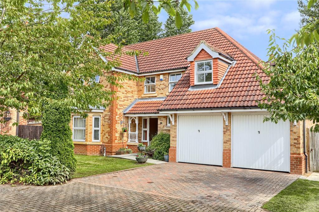 4 Bedrooms Detached House for sale in Roseberry Mount, Guisborough