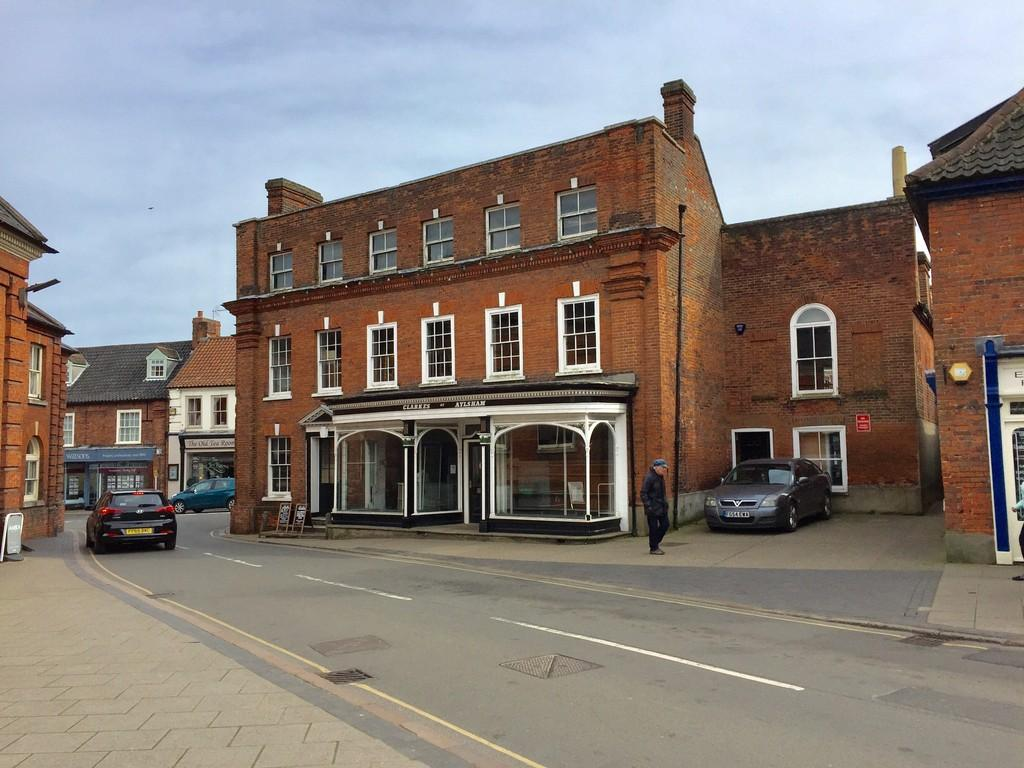 Detached House for sale in 30 Market Place, Aylsham, Norfolk