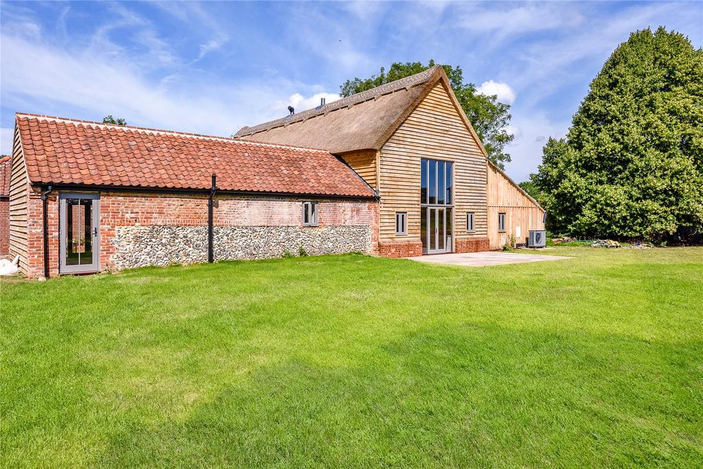 4 Bedrooms Link Detached House for sale in Poplars Farm Barns, Dog Lane, Horsford, Norfolk, NR10