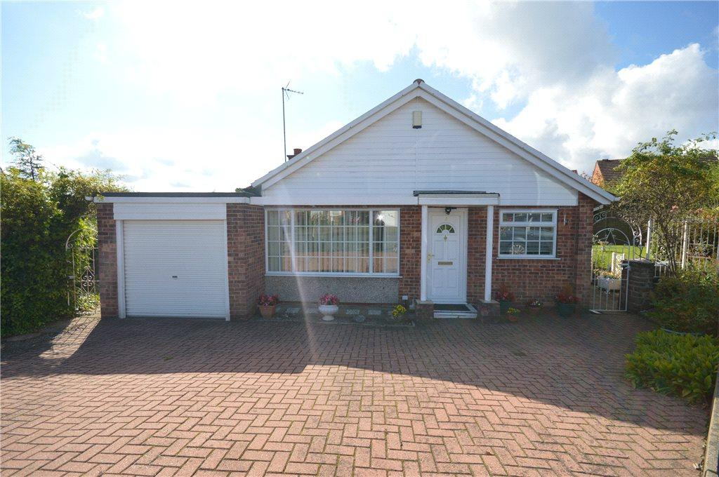 3 Bedrooms Detached Bungalow for sale in Linton Close, Leeds, West Yorkshire