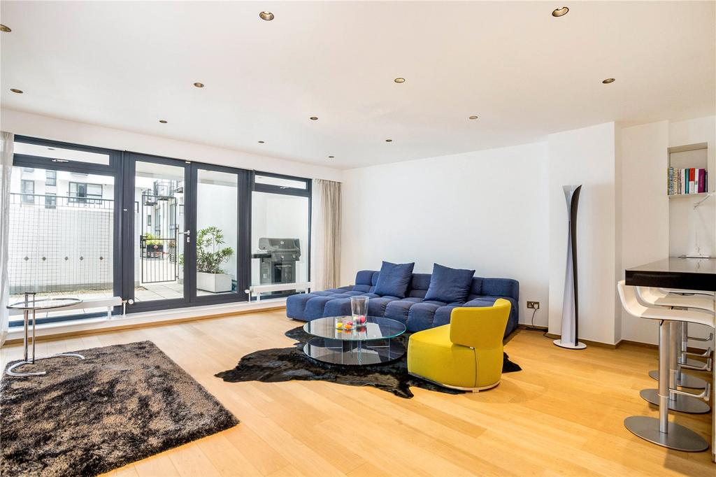 2 Bedrooms Flat for sale in Dickens Mews, Clerkenwell, London, EC1M