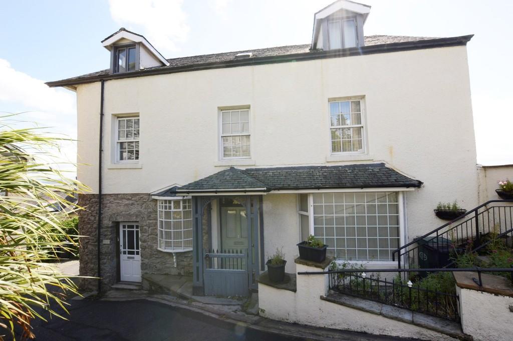 2 Bedrooms Ground Flat for sale in Myrtle Court, Grange-Over-Sands