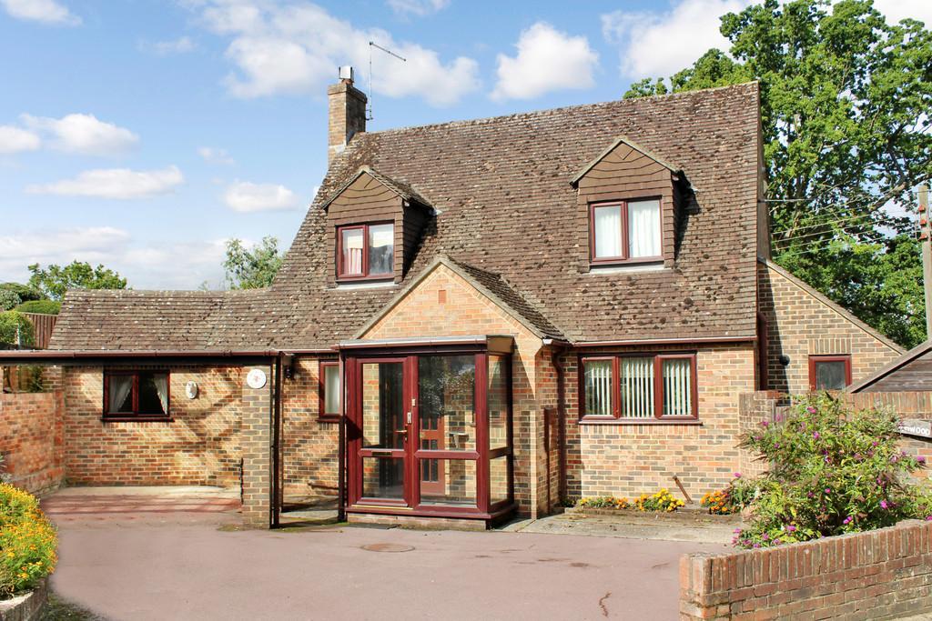 3 Bedrooms Chalet House for sale in Storrington