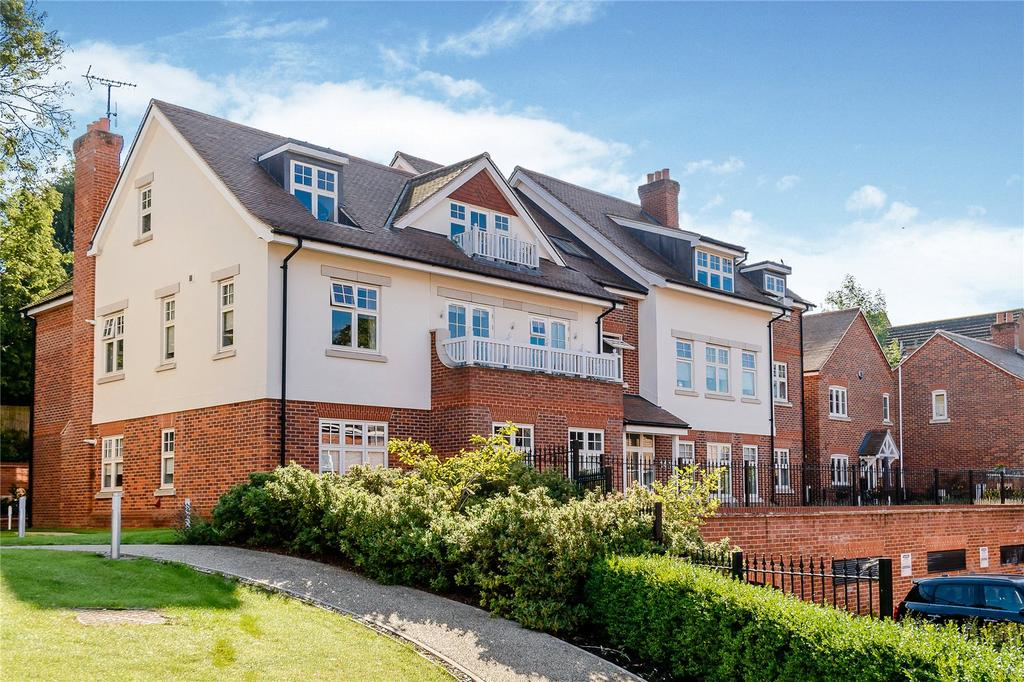 2 Bedrooms Flat for sale in The Foresters, Harpenden, Hertfordshire