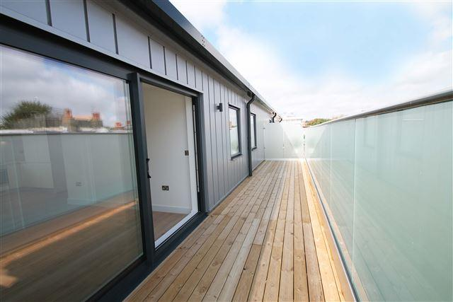 2 Bedrooms Penthouse Flat for sale in Salisbury Road, Hove